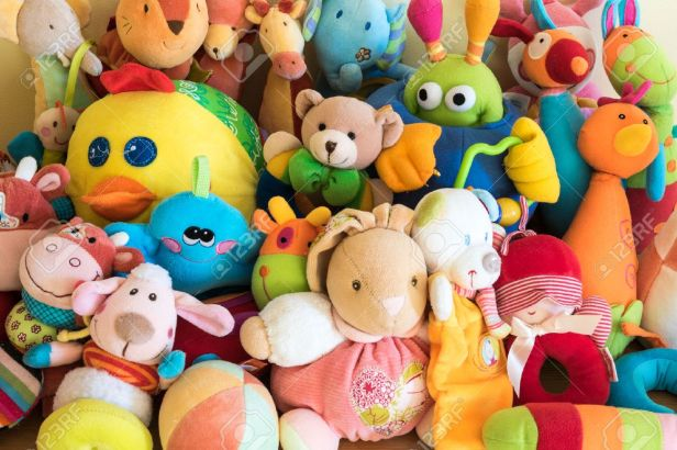 45332559-soft-toys-in-a-child-s-bedroom[1]